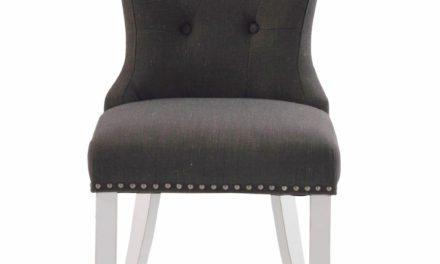 Adele spisebordsstol – gråt stof m. hvidlakerede træben, sølvnitter
