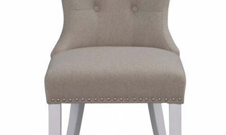 Adele spisebordsstol – beige stof m. hvide træben, sølvnitter