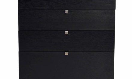 Confetti kommode – sort eg, bred m. 4 skuffer
