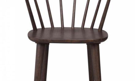 Carmen spisebordsstol – brun bejdset gummitræ, m. armlæn