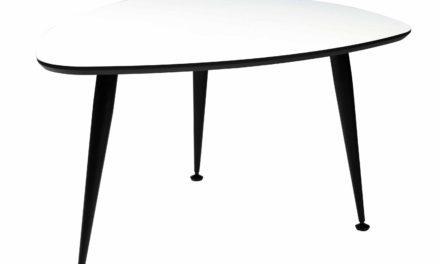 Strike sofabord – Hvidt træ, sort stål stel, trekantet