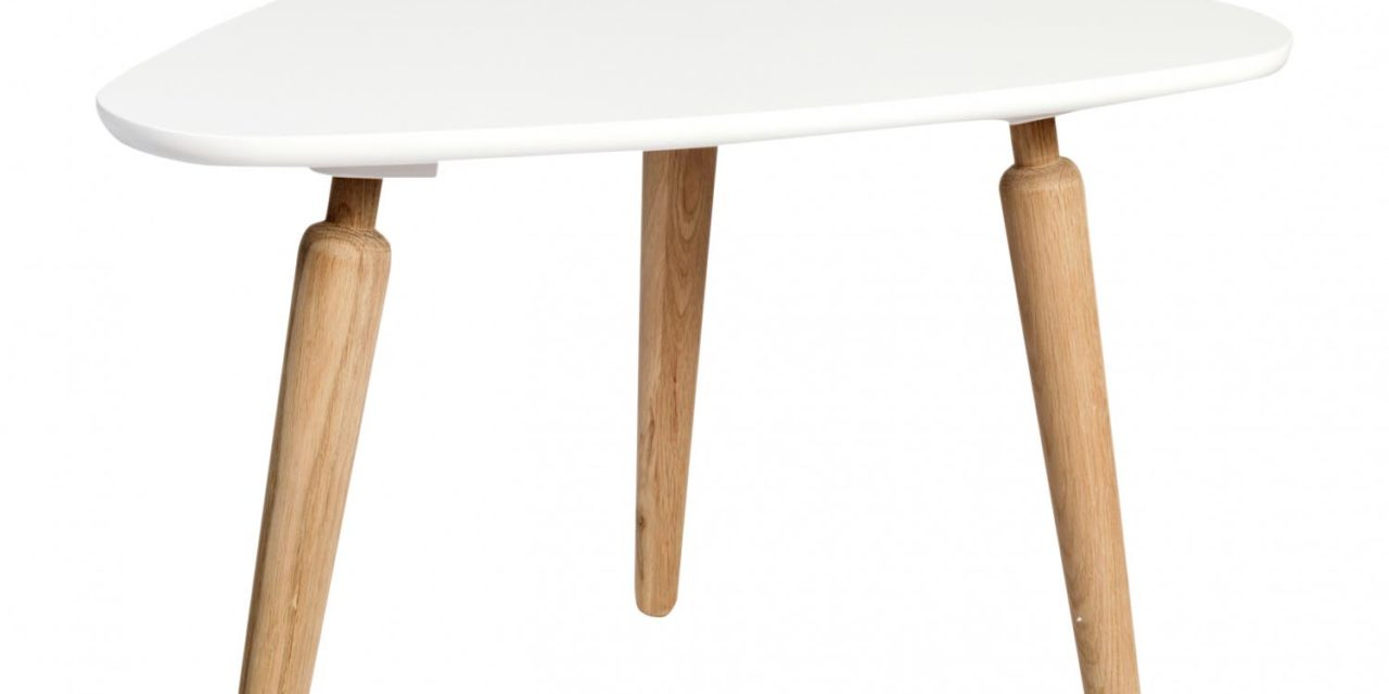 Cappuccino sofabord – hvid/eg, trekantet (L67, H50)