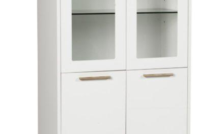 Arild vitrineskab – hvid/lakeret eg, m. 2 glaslåger og 2 alm. låger