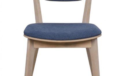 Cato spisebordsstol – hvidpigmenteret eg og blåt stof