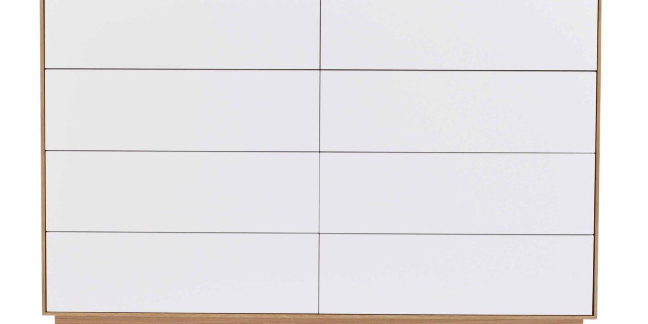 Tore kommode – Hvidt og lakeret egetræ, 8 push-to-open låger