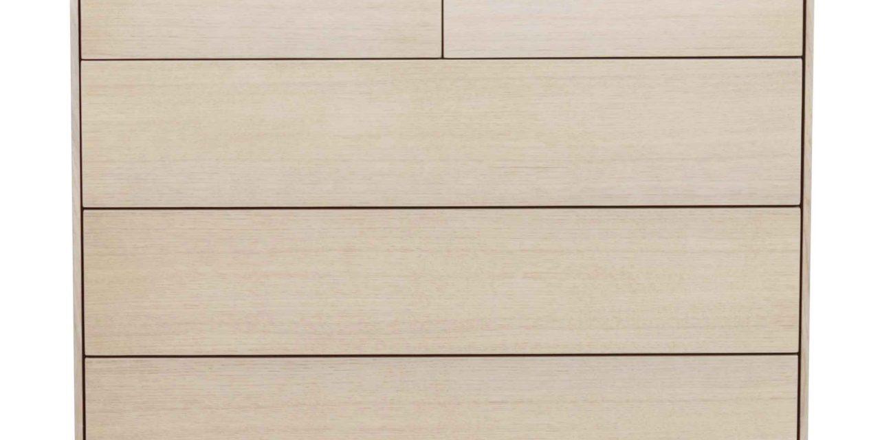 Tore kommode – Hvidpigmenteret egetræ, 5 push-to-open låger