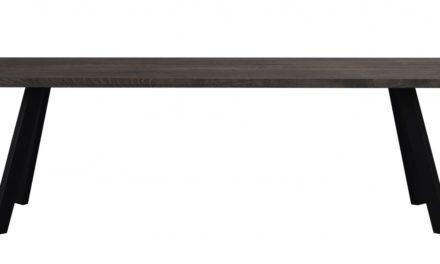 Fred plankebord – mørkebrun eg og sort metal (240×100)