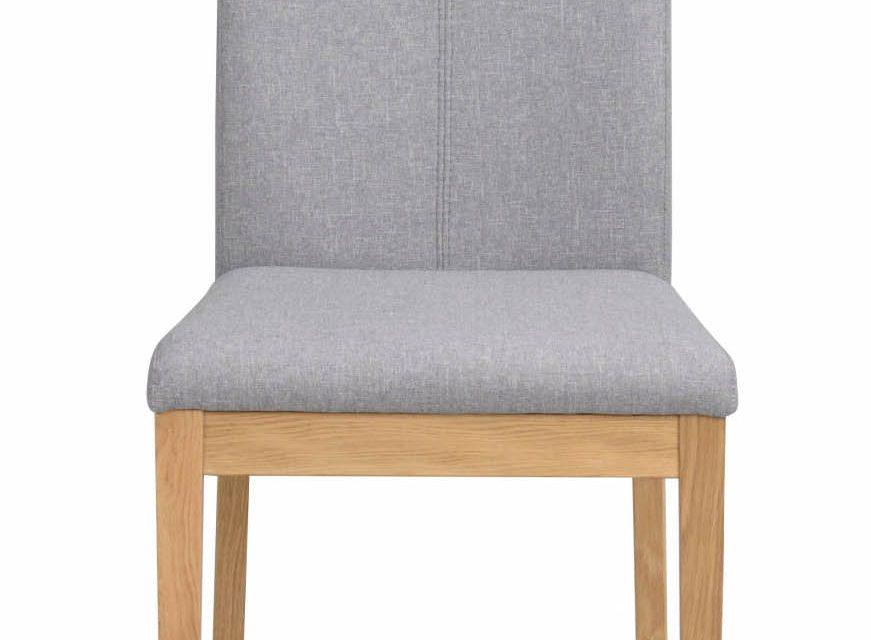 Amanda spisebordsstol – lysegråt stof m. egetræsben
