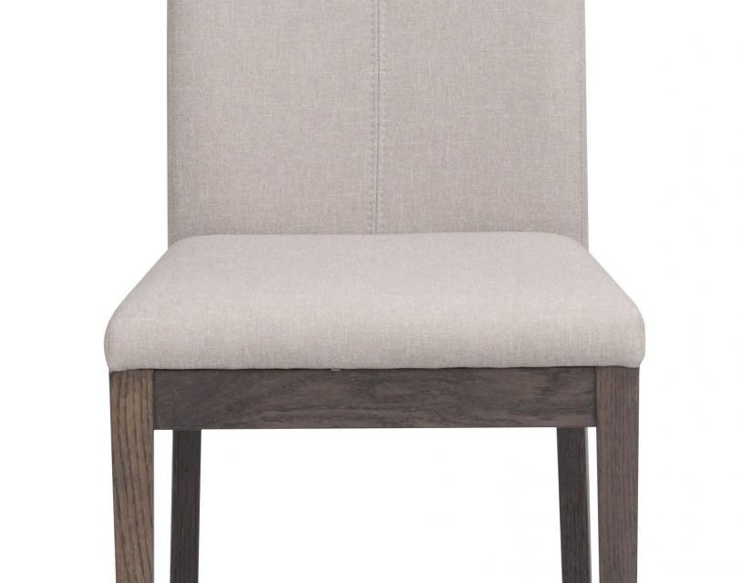 Amanda spisebordsstol – beige stof m. mørkebrune træben