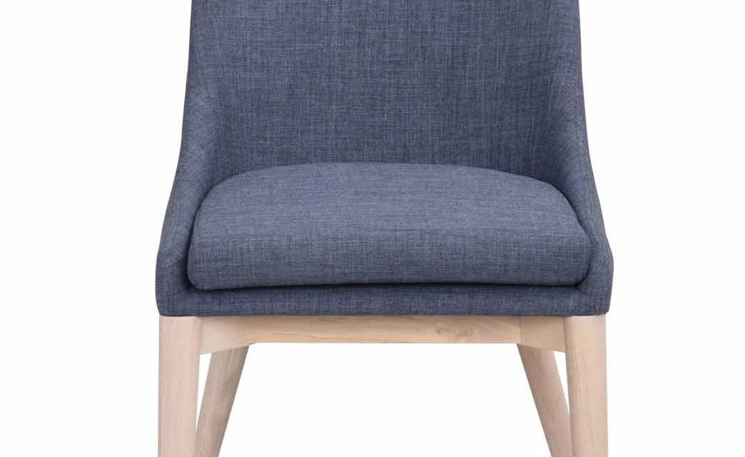 Bea spisebordsstol – blåt stof/hvidpigmenteret eg
