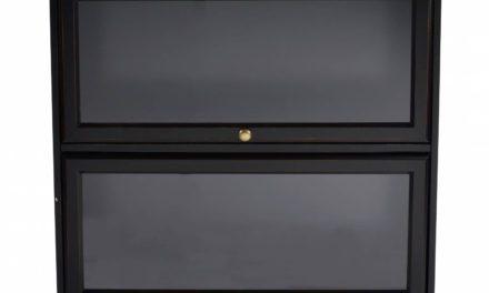 Leonardo bogreol – sort, lille m. 2 glaslåger