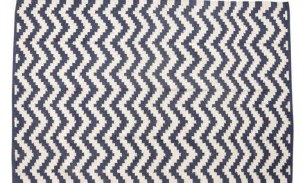 HÜBSCH Vævet tæppe i bomuld, blå/natur