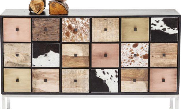 Nydelig Hutch skænk i rustfrit stål og træ fra det kendte brand Kare Design