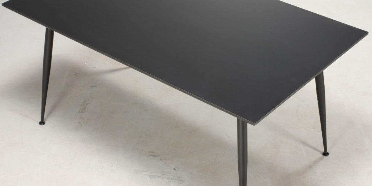 FURBO Spisebord, sort laminat, sorte metalben, 90 x 140 cm.