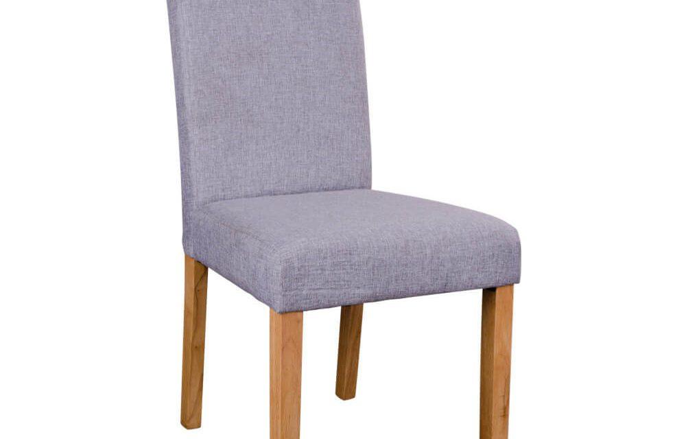 HOUSE NORDIC Mora spisebordsstole i lysegråt stof med natur træben