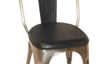 TRADEMARK LIVING Spisebordsstol – sort læder og shiny stel