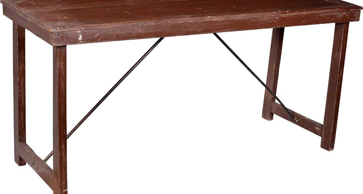TRADEMARK LIVING Skønt gammelt bord i træ – brun