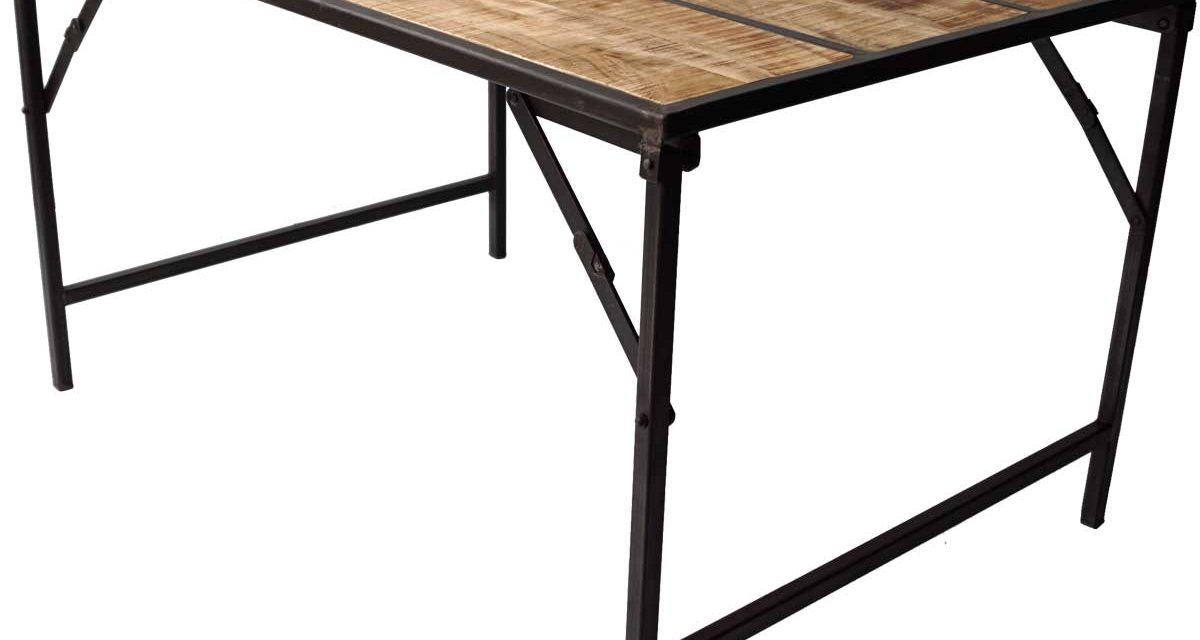 TRADEMARK LIVING Spisebord med træbordplade og jernstel