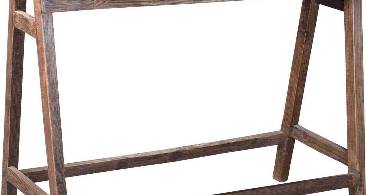 TRADEMARK LIVING Stor buk i rustikt genbrugstræ