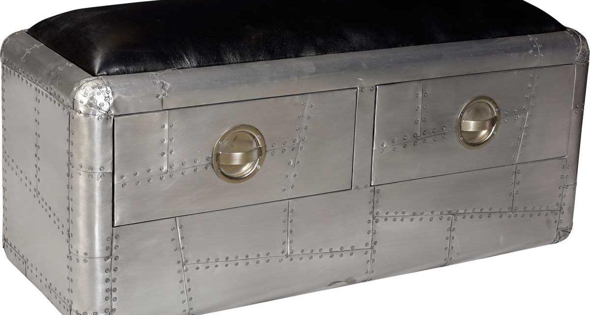 TRADEMARK LIVING Spitfire bænk med et råt maskulint look