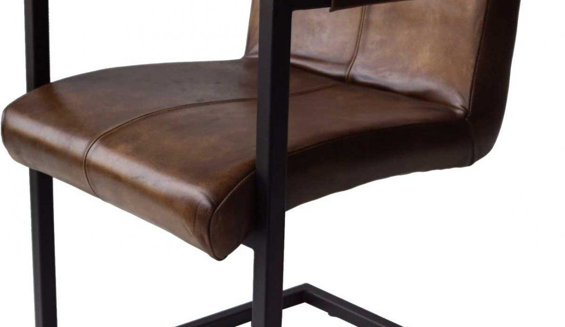 TRADEMARK LIVING Cool stol med armlæn – antik brun læder