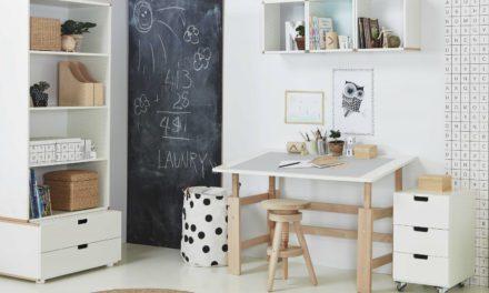 Flot luksus justerbart børneskrivebord i massiv bøg fra Manis-H