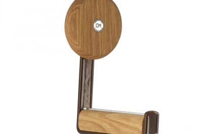 FURBO Ewo – knage i rustlook stål og træ Lakeret eg