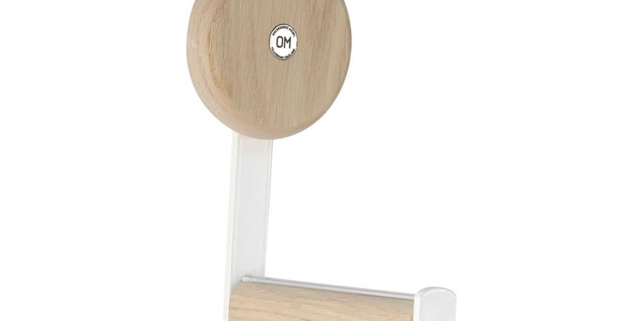 FURBO Ewo – knage i hvidt stål og træ hvid lak – hvidpigmenteret eg