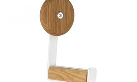 FURBO Ewo – knage i hvidt stål og træ Lakeret eg