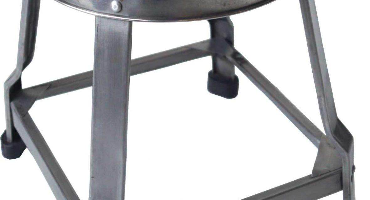 TRADEMARK LIVING Lille jernskammel – shiny jern