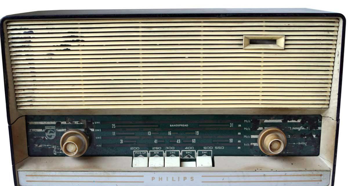 TRADEMARK LIVING Original gammel vintage radio – alle er forskellige