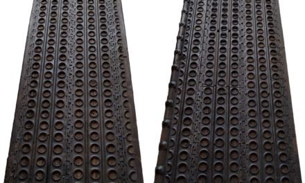 TRADEMARK LIVING Stor rustik og rå jern dobbeltdør
