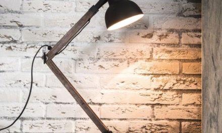 FURBO Bordlampe, sort metal, vintage træ