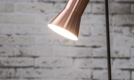 FURBO Bordlampe, sort metal, kobber skærm