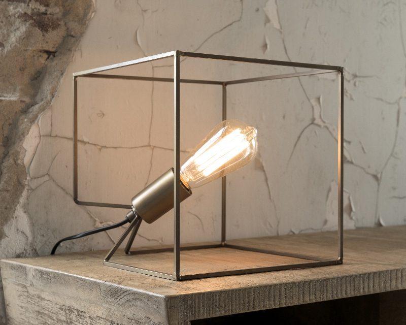 FURBO Bordlampe, kubistisk antik bronze
