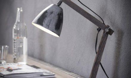 FURBO Bordlampe, patineret grå metal, patineret træ