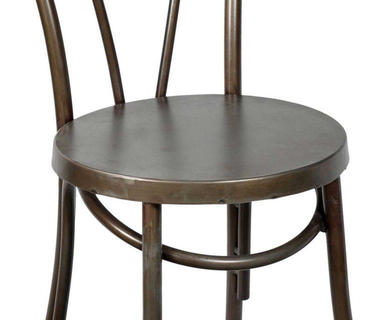 TRADEMARK LIVING Spisebordsstol i antikzink med bløde runde former
