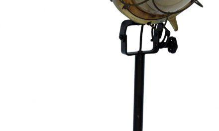 TRADEMARK LIVING Cool gammel industribordlampe