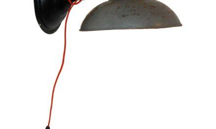 TRADEMARK LIVING Væglampe i jern – grå og sort