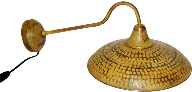 TRADEMARK LIVING Væglampe – karrygult jern med patina