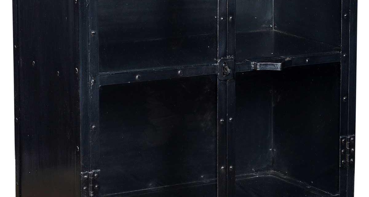 TRADEMARK LIVING Glaskabinet med et industrielt look