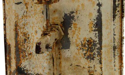 TRADEMARK LIVING Cool knage af gammelt jern