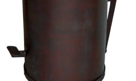 Nydelig pedalspand i kobberfarvet jern fra brandet Trademark Living