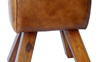 TRADEMARK LIVING Skammel med antik brunt læder