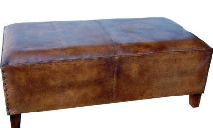 TRADEMARK LIVING Stor puf i brunt læder