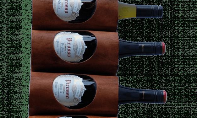 TRADEMARK LIVING Vin- eller magasinholder i brunt læder