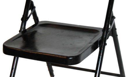 Trademark Living gammel klapstol i flot sort jern og lak