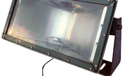 TRADEMARK LIVING Original gammel industrilampe – grøn jern