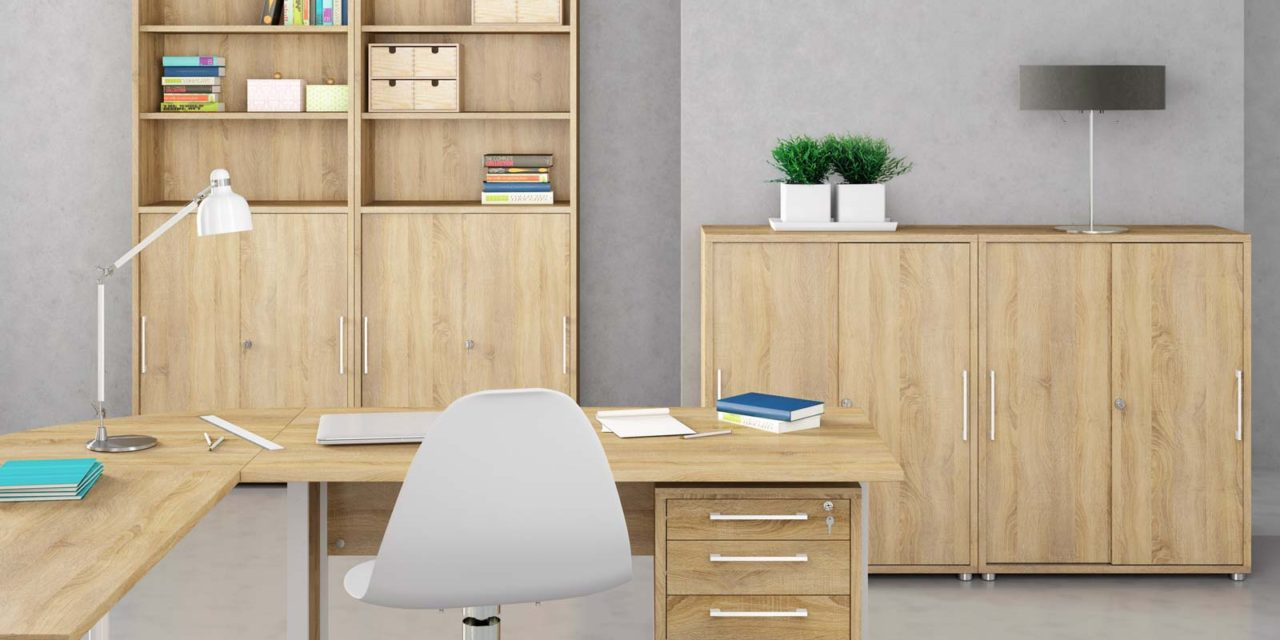 Prima stort skrivebord med skuffer – Eg/Sølv stål