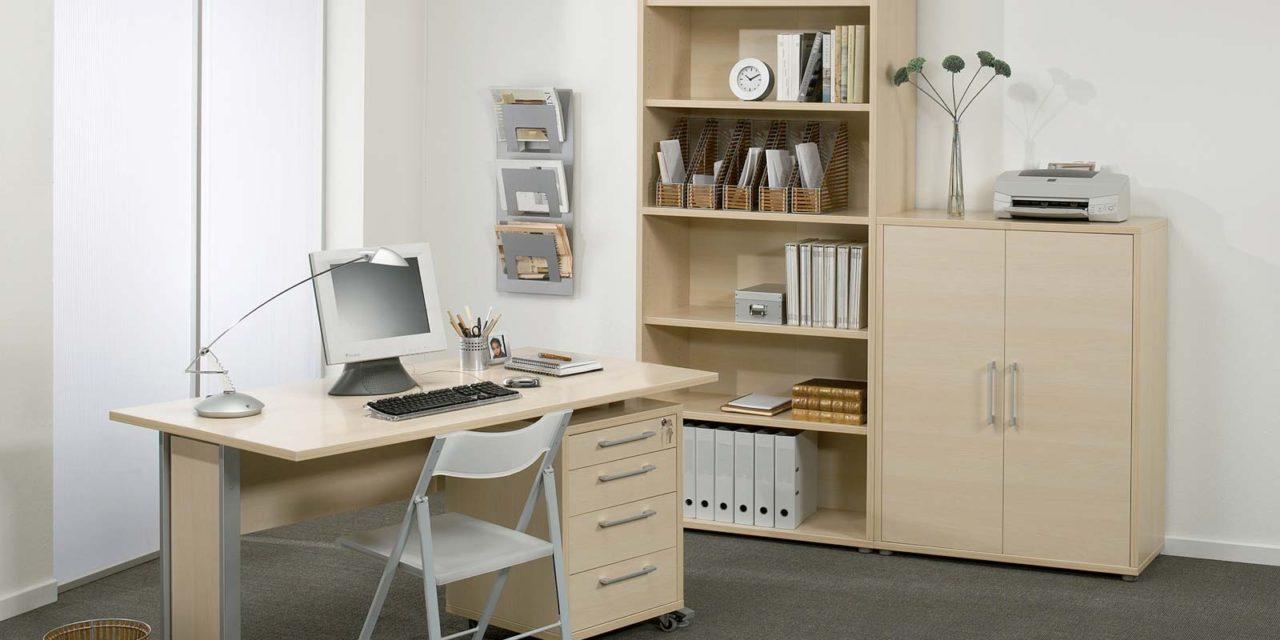 Prima eg skrivebord